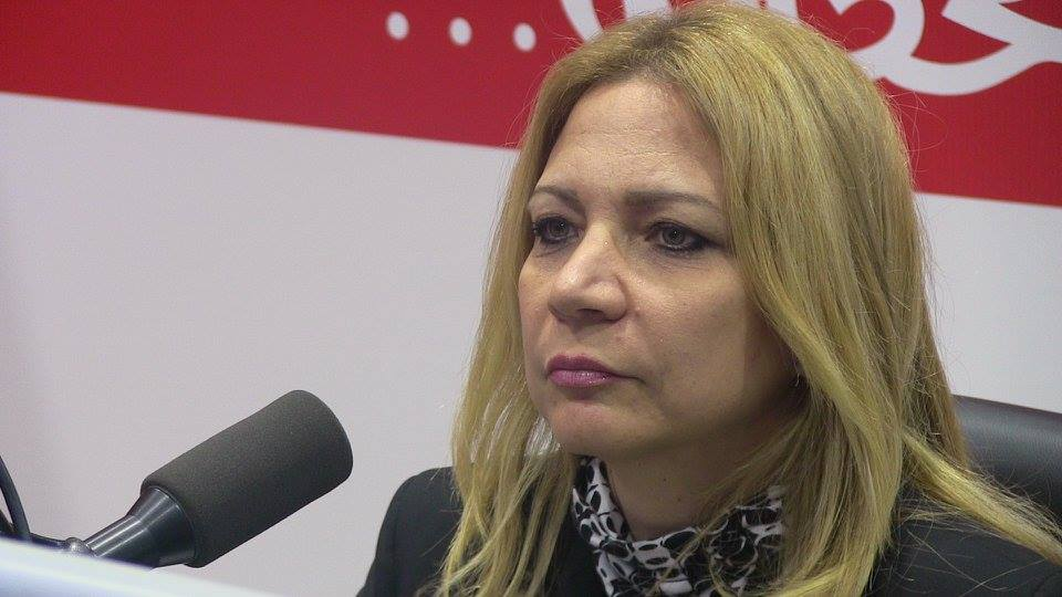 دنيا بن عصمان ضيفة برنامج انفورما على اذاعة الكاف